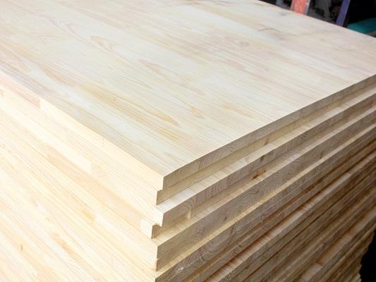 Ưu nhược điểm của sàn gỗ thông pallet